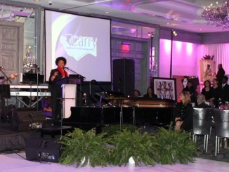 Jenifer Lewis at The C.A.R.R.Y. organization Annul Event